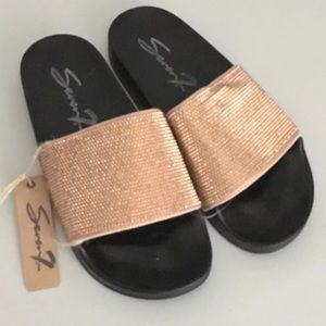 Women's Sz 7 Seven7 Davinci Diamond Slides